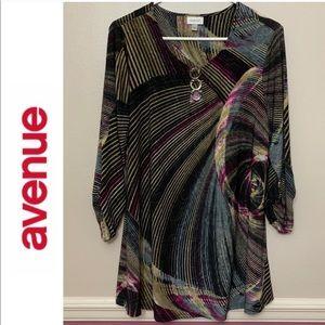 Avenue black and multi color tunic 1X